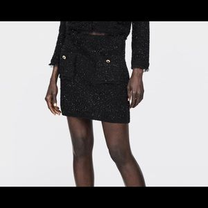 Mini skirt with metallic thread sz medium